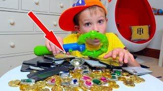 Дети нашли Странный Клад у нас во дворе - 20 iPhone X бриллианты и не только thumbnail