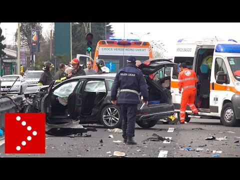 Incidente a Trezzano sul Naviglio: violento scontro tra due auto. Un morto e 4 feriti