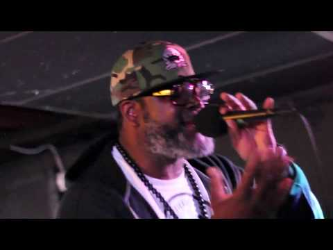 """Poor Righteous Teachers Culture Freedom performs """"Babylon"""" and """"Back"""" live at Caf'e Coco"""