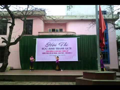 Hội thi nữ sinh Thanh Lịch 26-3-2014 Trường THPT Đào Duy Từ  tiết mục múa hiện đại lớp 11a12
