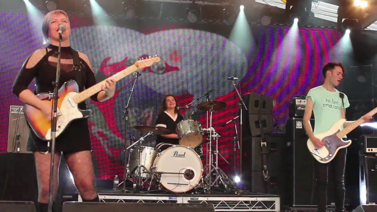 Cable Ties - live at The Meredith Music Festival 2016 - YouTube