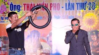 Kỷ lục Guinness Xuân Diệu,dùng mắt bơm ruột xe - thổi bong bóng - phun sửa