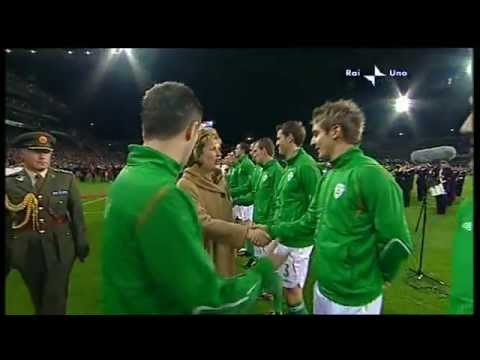 Republic Of Ireland V Italy - World Cup 2010 Qualifier - National Anthems (10/10/09)