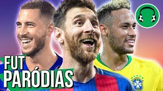 Gambar cover ♫ BOLA REBOLA (c/ Messi, Neymar...) | Paródia de Futebol - Tropkillaz, Anitta, J Balvin ft. MC Zaac