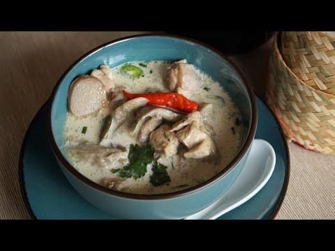 soupe-de-poulet-au-lait-de-coco-:-tom-kha-kai-est-l'une-des-soupes-les-plus-connues-de-thaïlande