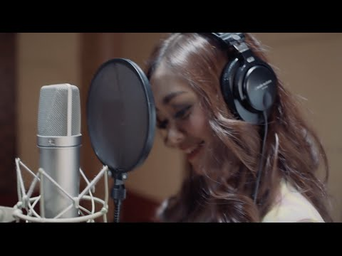 JANTUNG BERDEBAR - Nadya Rafika feat. Eka Gustiwana (Official MV)