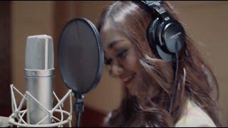 Download JANTUNG BERDEBAR - Nadya Rafika feat. Eka Gustiwana (Official MV)