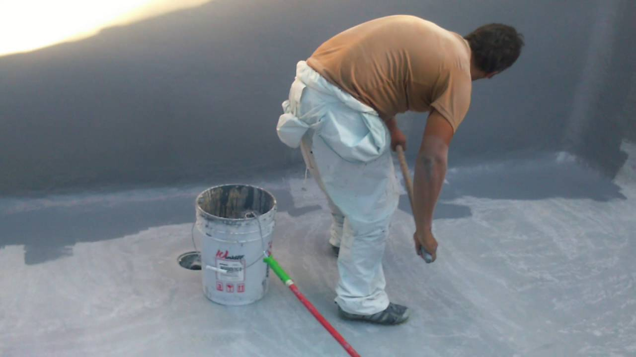 Pintado de revestimiento de fibra de vidrio en piscina for Pintado de piscinas