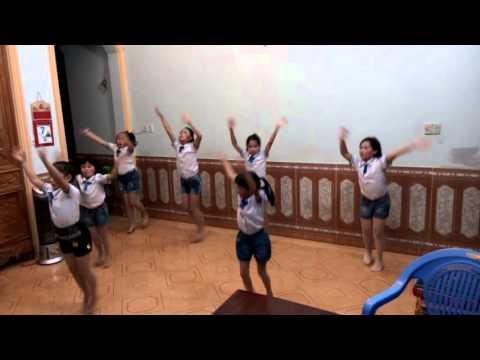 Nhảy Tiến lên Việt Nam ơi! siêu đáng yêu!!!