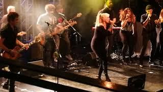 Video ES POR AMOR - VALERIA LYNCH /LA TRASTIENDA 02-03 download MP3, 3GP, MP4, WEBM, AVI, FLV September 2018