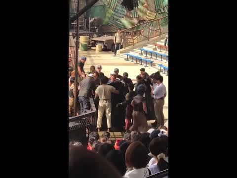 USJの人気水上ショー「ウォーターワールド」事故、出演者と水上バイク衝突で中止・救出