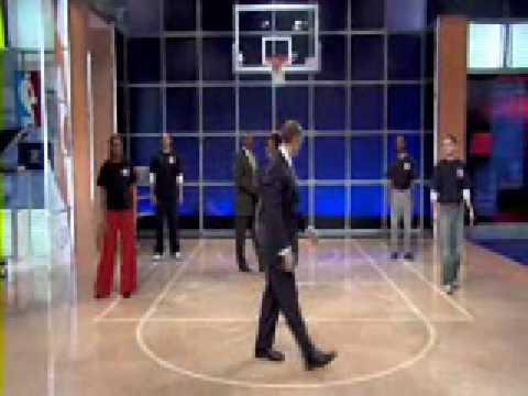 Ernie Johnson has a jumper!