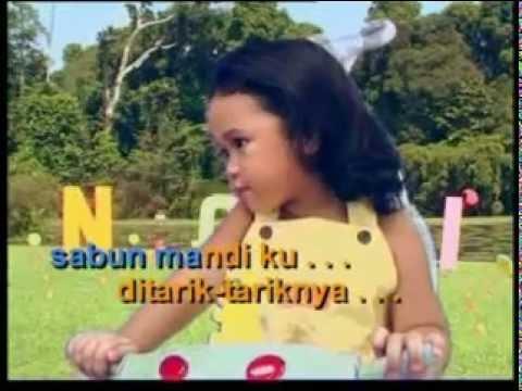 Tikus makan sabun (with lyric)