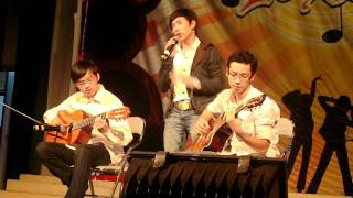 quán cóc vỉa hè _ Phạm Thưởng ( ghita _ Lê Văn - Anh Vũ )