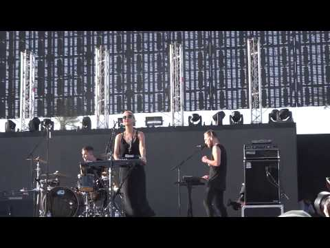 The Naked and Famous-Punching in a Dream-Coachella 2014-Weekend 1 mp3