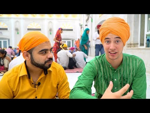 AMAZING Indian Food in Delhi, India | 550 kg MEGA Curry at Gurudwara Bangla Sahib - HOLY INDIAN FOOD