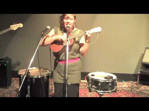 tUnE yArDs -