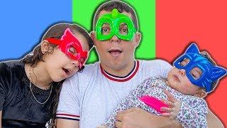 SARAH FINGE BRINCAR com o PAPAI e ELOAH de Super-Heróis 2