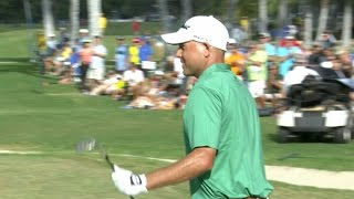 Bill Haas closes in style with a chip-in eagle at Sony Open