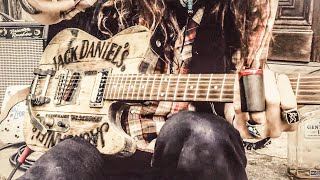 Jack Daniel's Whiskey Barrel Guitar | JUSTIN JOHNSON SOLO SLIDE GUITAR