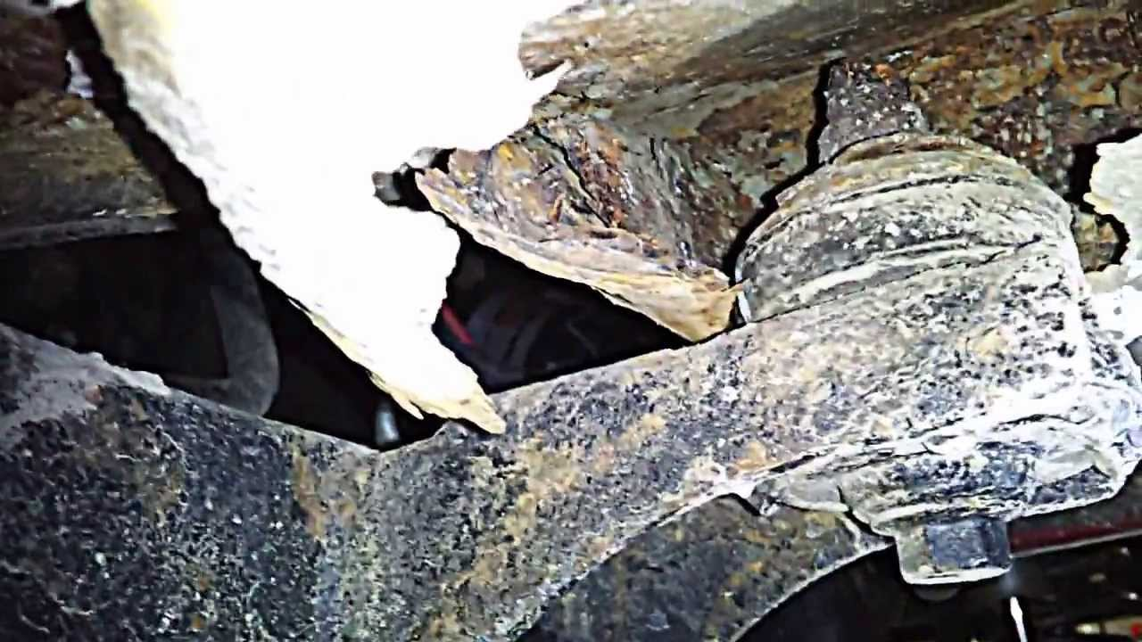 Very rusty frame/undercarriage   (Video Included
