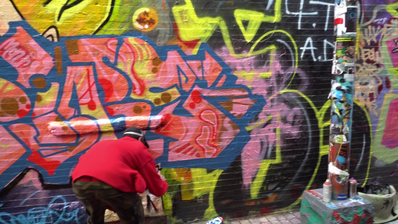 Graffiti wall cambridge ma - Artist At Work Graffiti Alley Cambridge Ma