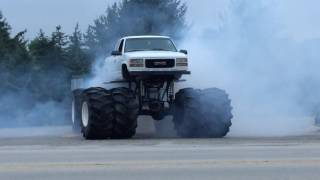 Mud Truck Burnout