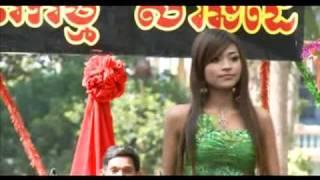 Repeat youtube video Khmer song New 2010 - Khemerak Sreypov - Chnam tmey srey men phor
