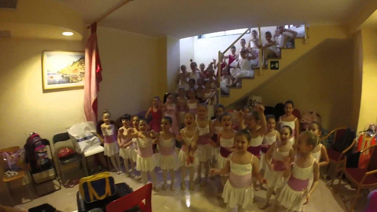 Scuola di danza in punta di piedi saggio 2015 teatro for Arredamento scuola di danza