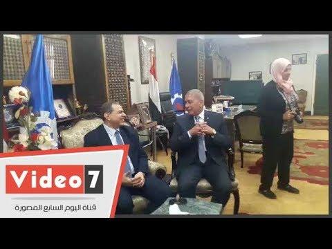 وصول وزير القوى العاملة السويس والمحافظ يستقبله  - 11:21-2017 / 11 / 4