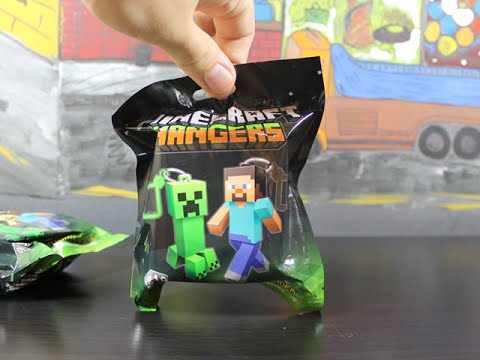 MINECRAFT HANGERS MYSTERY UNBOXING 7