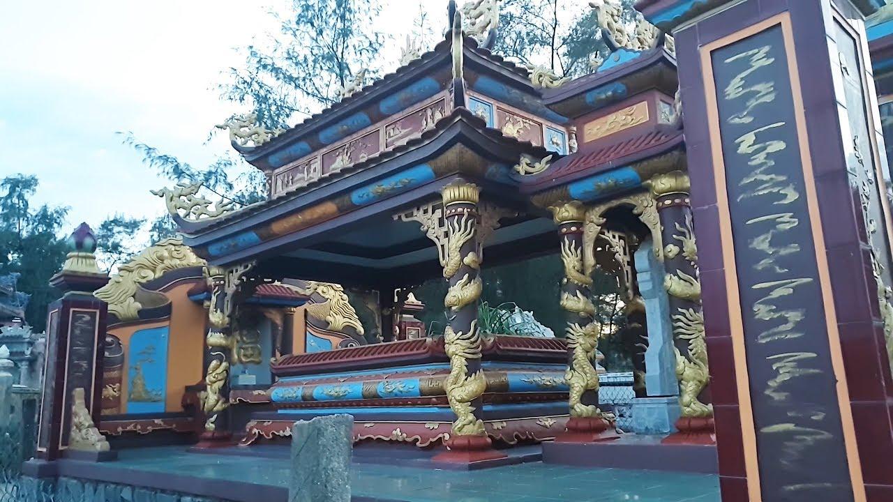 Khu lăng mộ tiền tỷ ở làng Hòa Duân -Thuận An – Huế.