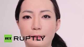 Japan: Ultra-realistic female robot reads the news