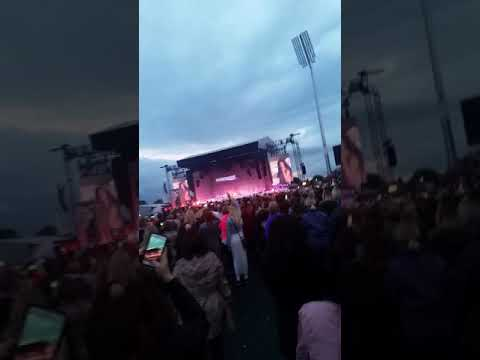 Rihanna @ Manchester Old Trafford - Umbrella