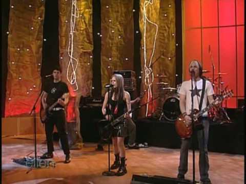 Avril Lavigne - Ellen Degeneres show [5 26 04] - Don't Tell Me - HQ!