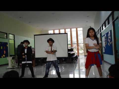 Surabaya Montessori School-Fabian and Friends