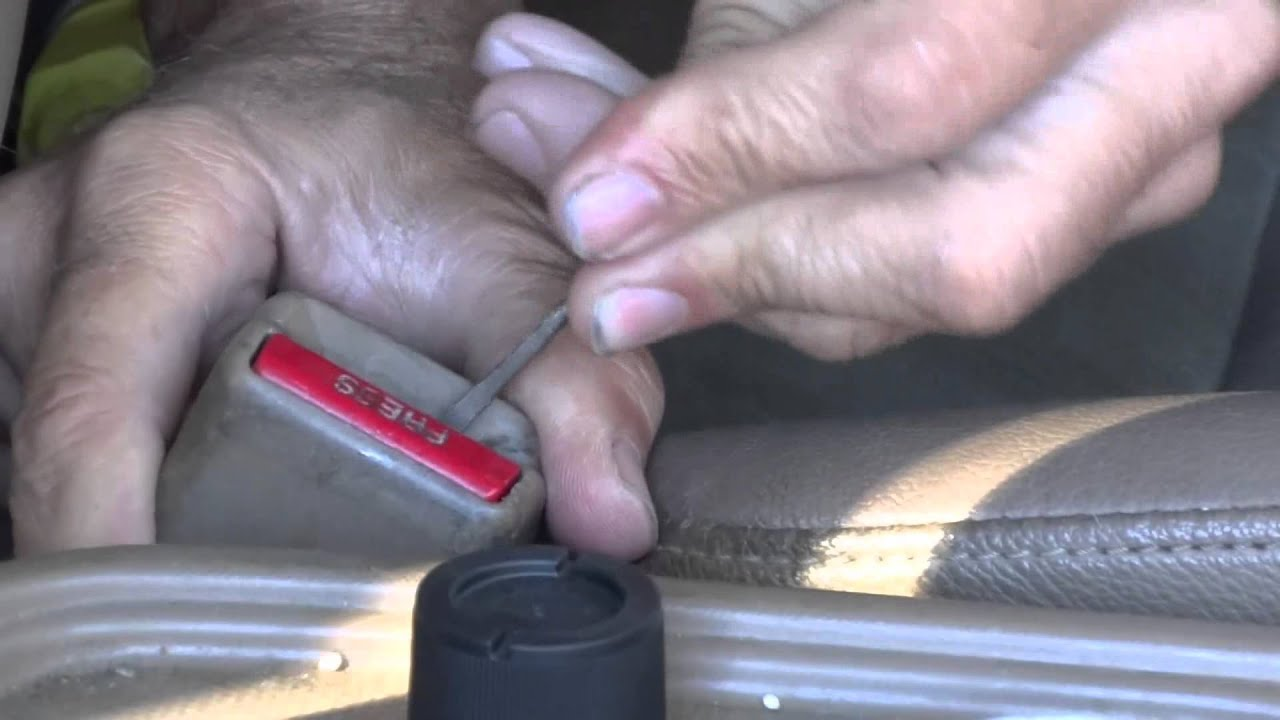 2002 Honda CRV Seat belt buckle quick fix YouTube