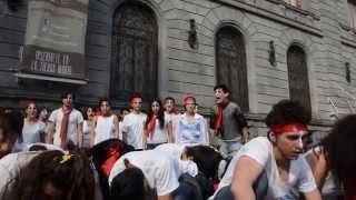 Performance Ayotzinapa. Estudiantes y maestros de la ENAT 16/10/14 (GRL 9182)