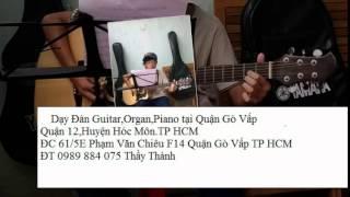 Dạy đàn Guitar acoustic chuyên nghiệp tại Quận 12 Thầy Thành