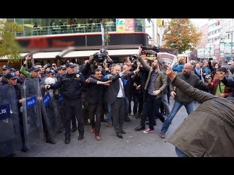 Tutuklu gazetecilere destek eyleminde gazlı müdahale