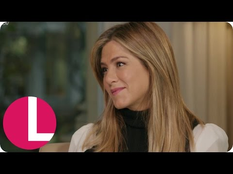 Extended: Jennifer Aniston Talks Friends Reunion, Office Christmas Party & Justin Theroux | Lorraine