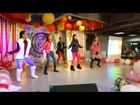 Mecca Jen : Hand Clap Dance