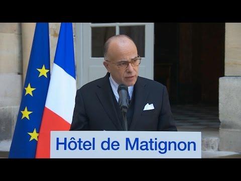 """Cazeneuve à Marine Le Pen: """"Son parti a voté contre toutes les lois anti-terroristes"""""""