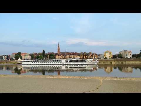 Osijek River Ship - time lapse