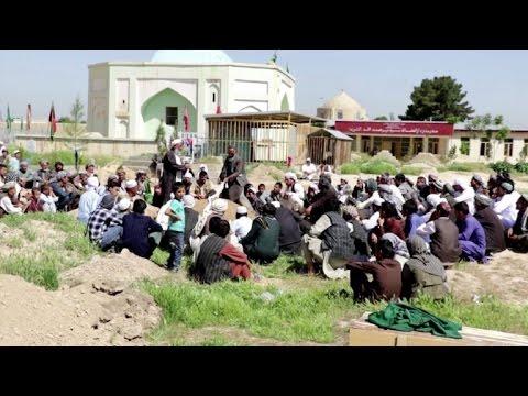 Afganos indignados por negligencia tras matanza en base militar