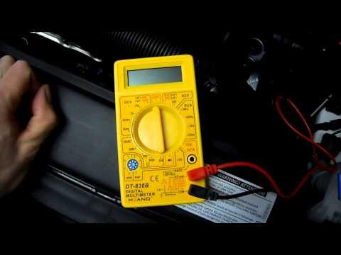 How To Batteriespannung Am Auto Messen - Anleitung Batterie Prüfen