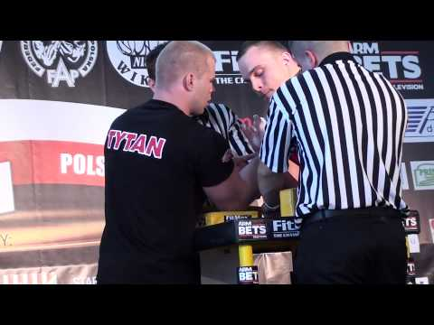 Polish National Armwrestling Championships 2011 - Tomek Szew