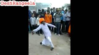 mast funny rajasthani dance at wedding wahtsapp dance video by a old man