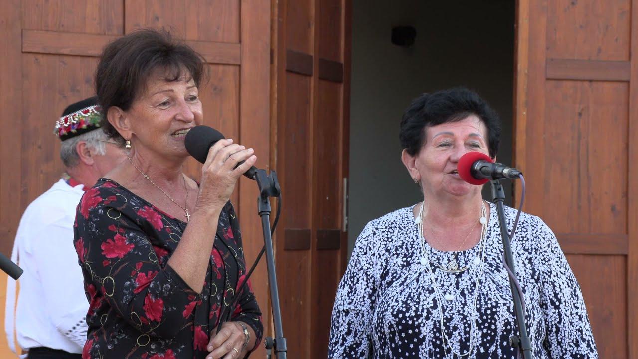 Download Excelentní pěvecký výkon lidových slavic, dvojice sester BARTOŠOVÝCH z Lanžhota