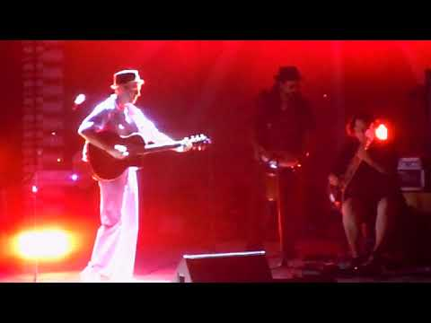 Jason Mraz - Love Is Still the Answer & most of 93 Million Miles (live)